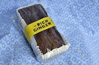 Ginger Cake, Retail